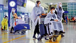 """防疫情""""倒灌"""" 香港发全球红色旅警"""