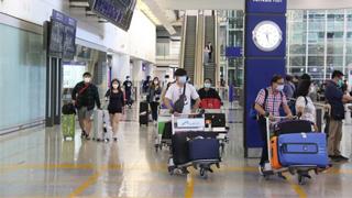 机场对抵港人士做病毒抽验 转机客未入境毋须强制检疫