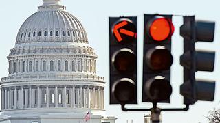 美參議院通過1000億美元經濟援助法案應對疫情