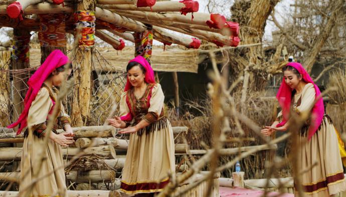 新疆景區舉行「迎春祈福」系列活動引客歸來