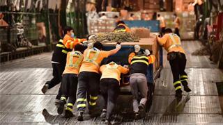 ?支援欧美防疫 深机场周运物资400吨