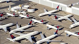 ?机场变停机坪 航企临生死线