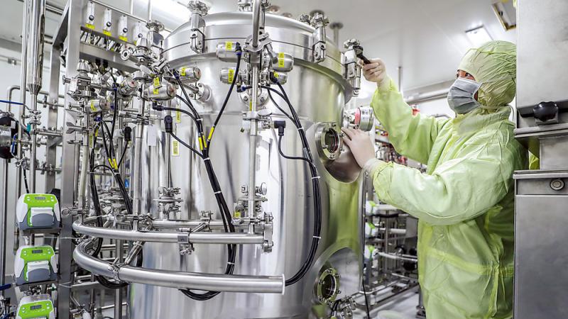 中国新冠疫苗临床试验超速全球 临床后上市至少需一年