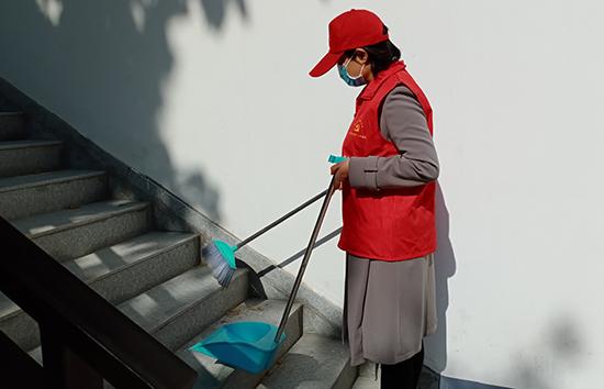 中牟县文化广电旅游局开展爱国卫生志愿服务活动