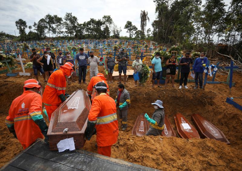 ?巴西病例激增 總統冀重開球賽捱轟