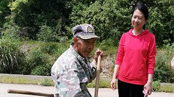 """江西驻村""""茶叶书记""""谢敏:扶贫是一辈子的财富"""