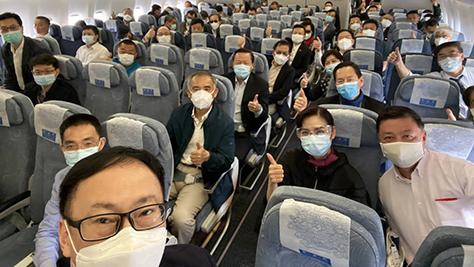 港区全国人大代表及政协委员抵京