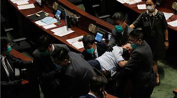 国歌法二读辩论3度暂停 朱凯廸陈志全许智峯被逐