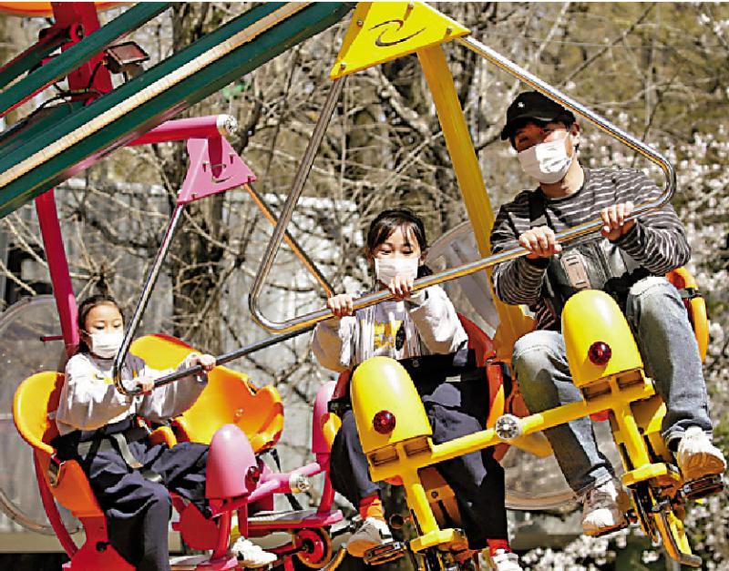日本遊樂園重開 坐過山車不得尖叫