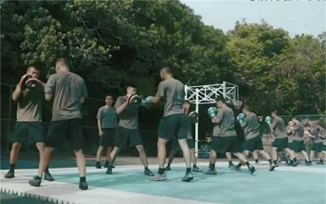 驻港部队发搏击训练视频 网民:有你们在我们很放心