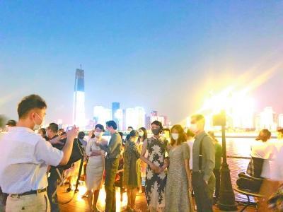 武漢兩江遊覽起航 漢味夜市開街 超市晚上打折