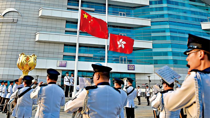 社 评\国歌法国安法为香港拨乱反正