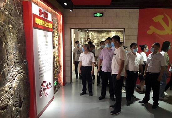 中牟县文化广电旅游局组织干部职工开展廉政教育活动