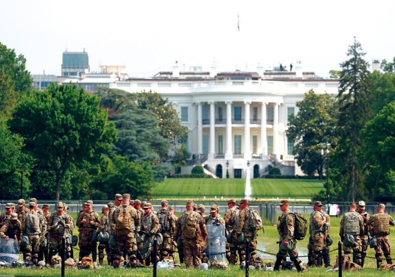 ?傳特朗普欲派萬名軍人平亂被拒