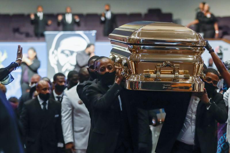 ?弗洛伊德下葬 拜登�n结束美种族歧视