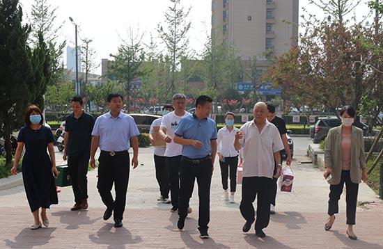 河南中牟文化广电旅游局走访慰问老党员和困难党员
