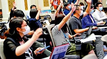 张晓明:筑国安屏障 保繁荣稳定