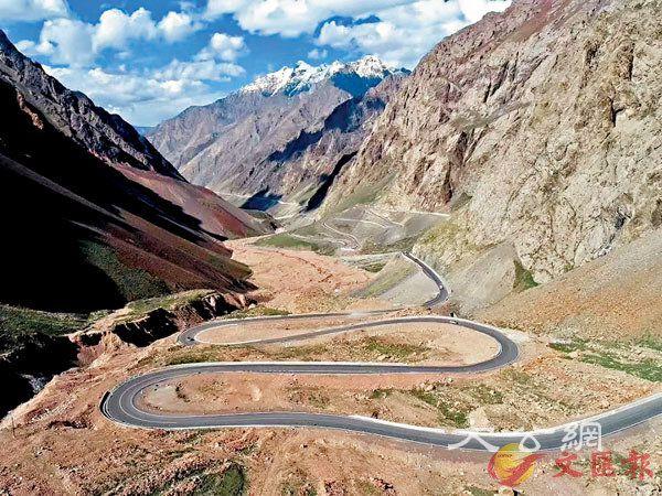 遊「中國最美公路」獨庫公路 盡攬天山四季壯麗風景