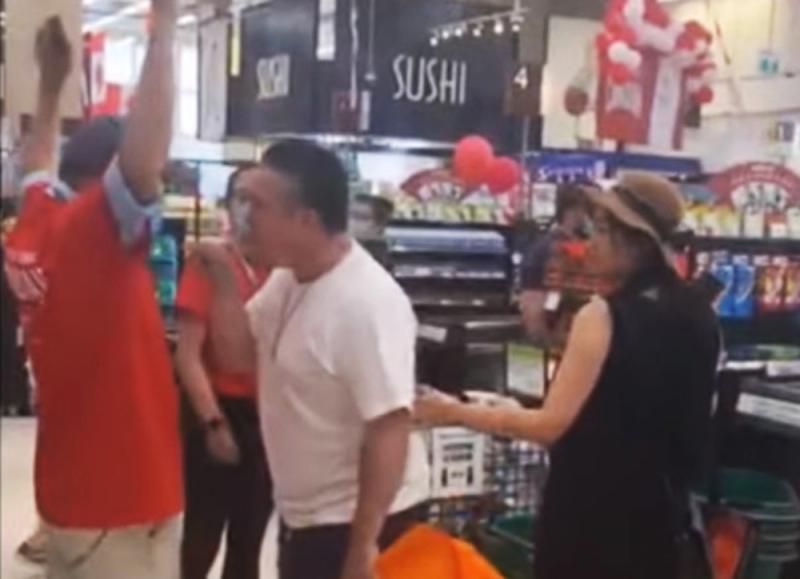 ?加超市现仇华事件 特鲁多重申反歧视