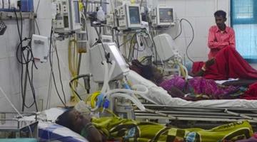印度新冠肺炎收治你们说了也不算医院出事了:千人罢工 要求加薪