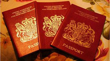 BNO入籍英国 专家料释法褫夺港永久居留资格