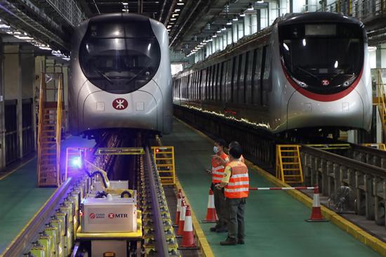 港鐵再有技工確診 22人須停工檢測