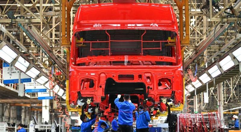 ?易纲:中国经济全年有望正增长