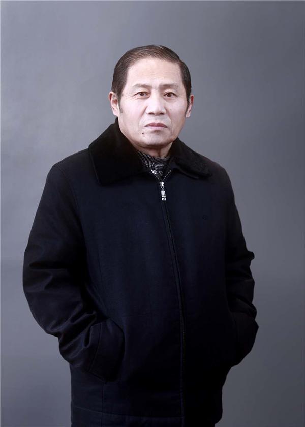 《盛世中华》携手画家贺建国71周年双同庆特刊——熊子恒