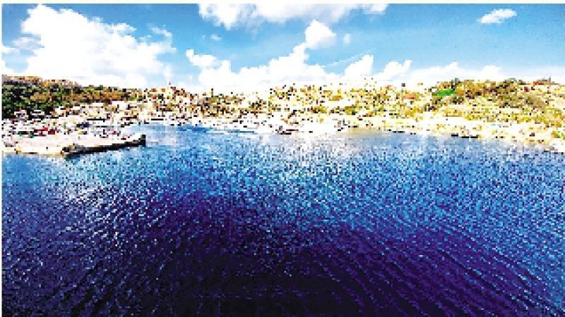 地中海裏的藍寶石/潘少