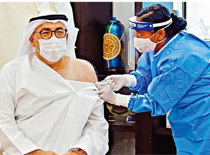 阿联酋衞生部长接种中国新冠疫苗