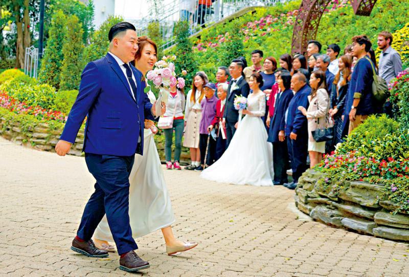 本地遊周五起放宽至30人 婚礼准50人参加
