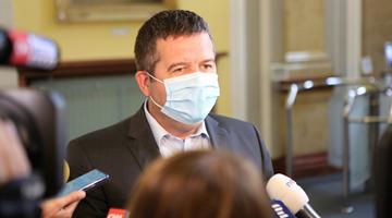 捷克副总理新冠病毒检测呈阳性