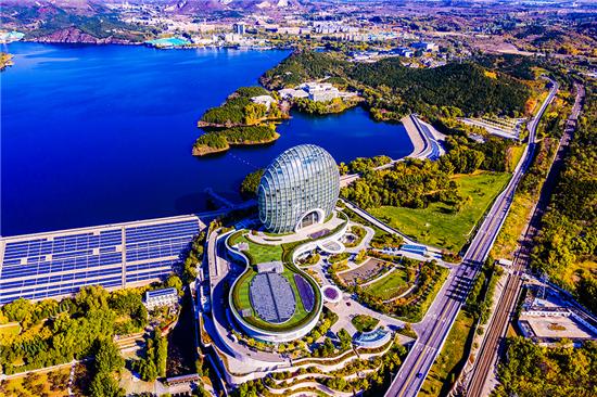 北京怀柔:一片科技蓝海 环抱绿水青山