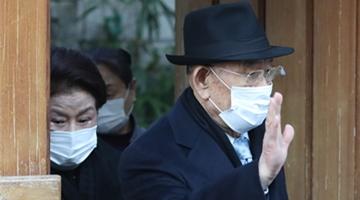 韩前总统全斗焕出庭受审 家门口怒斥示威者:吵死了!