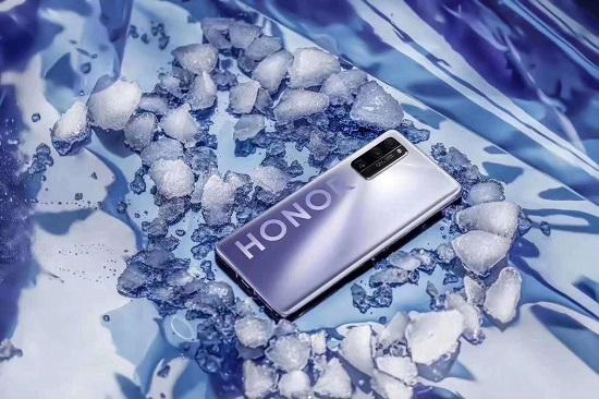 新荣耀进入人员整合阶段 V40x系列手机再次确认延迟发布
