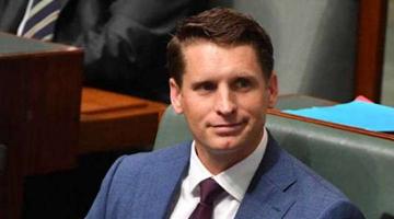 """睁着眼睛说瞎话?澳议员称战争罪报告是""""未证实谣言"""""""
