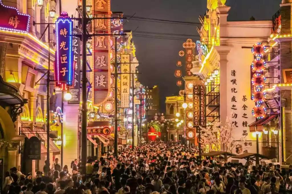 郑州电影小镇膺4A级景区和夜间文旅消费集聚区