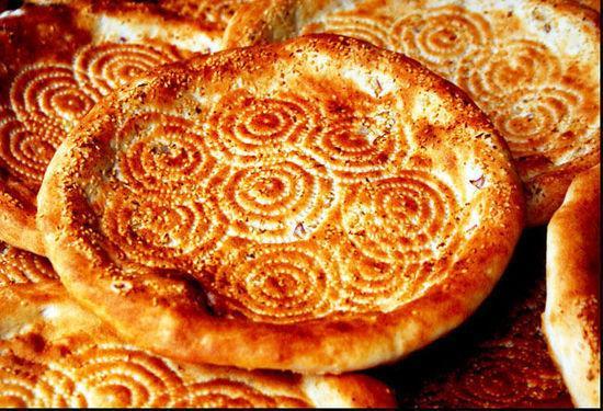新疆美食饢「飄香」中亞 客戶線上洽談下單