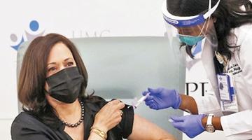 拜登批评美国疫苗分发慢 全民接种恐将等好几年