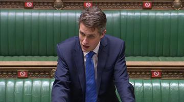 英国教育大臣:将再次取消高考及中考
