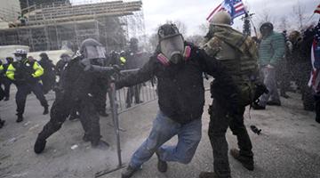 被批应对暴力冲击不力 美国会警察局长辞职