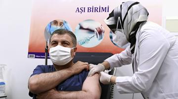 土耳其批准使用科兴疫苗 卫生部长率先接种