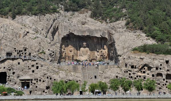 龍門石窟景區對在洛陽過年的外地務工人員免門票
