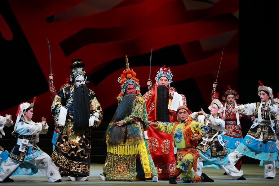 新版歷史豫劇《義薄雲天》唱響深圳大劇院