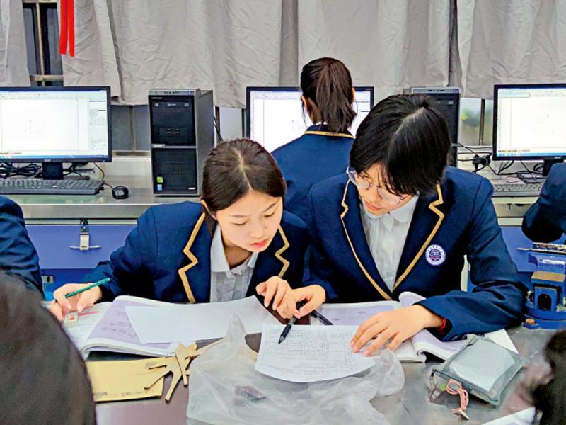 中学生转校广州 环境佳很温馨