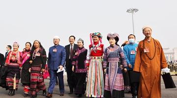 全国政协领导同志分别参加全国政协十三届四次会议分组讨论