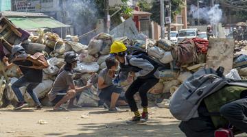 缅甸军方称,示威暴力已造成164人死亡