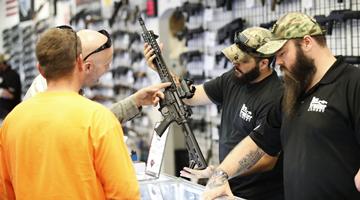 拜登吁美国会通过控枪法案 白宫称正考虑行政措施