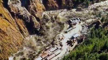 印度冰川断裂引发山洪 已致74人遇难