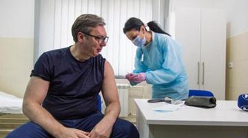 塞爾維亞總統武契奇接種中國疫苗